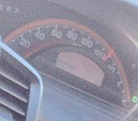 車の中で撮影した画像スピードメーターが130キロ
