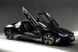ノブコブ吉村が2,000万円BMW i8購入