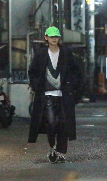 2月上旬のある深夜、5時間にも及ぶカフェデートを終えた菅田は、一足先に家路についた。